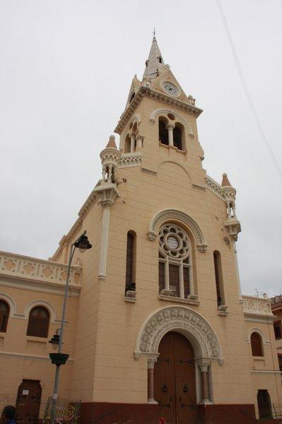 desmontaje-torreon-de-campanario-iglesia-sagrado-corazon-01